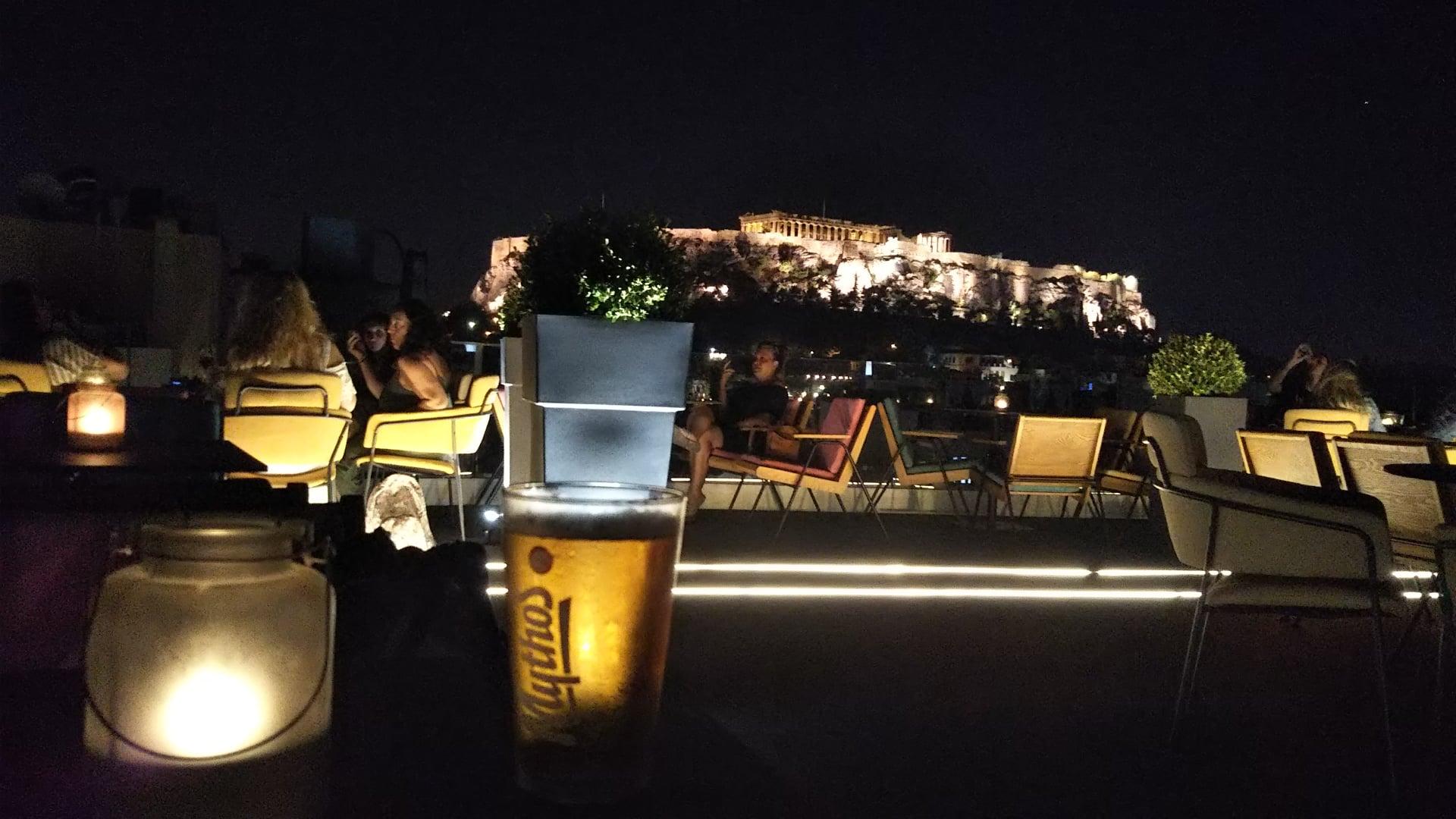 アテネで聖闘士星矢を偲ぶ