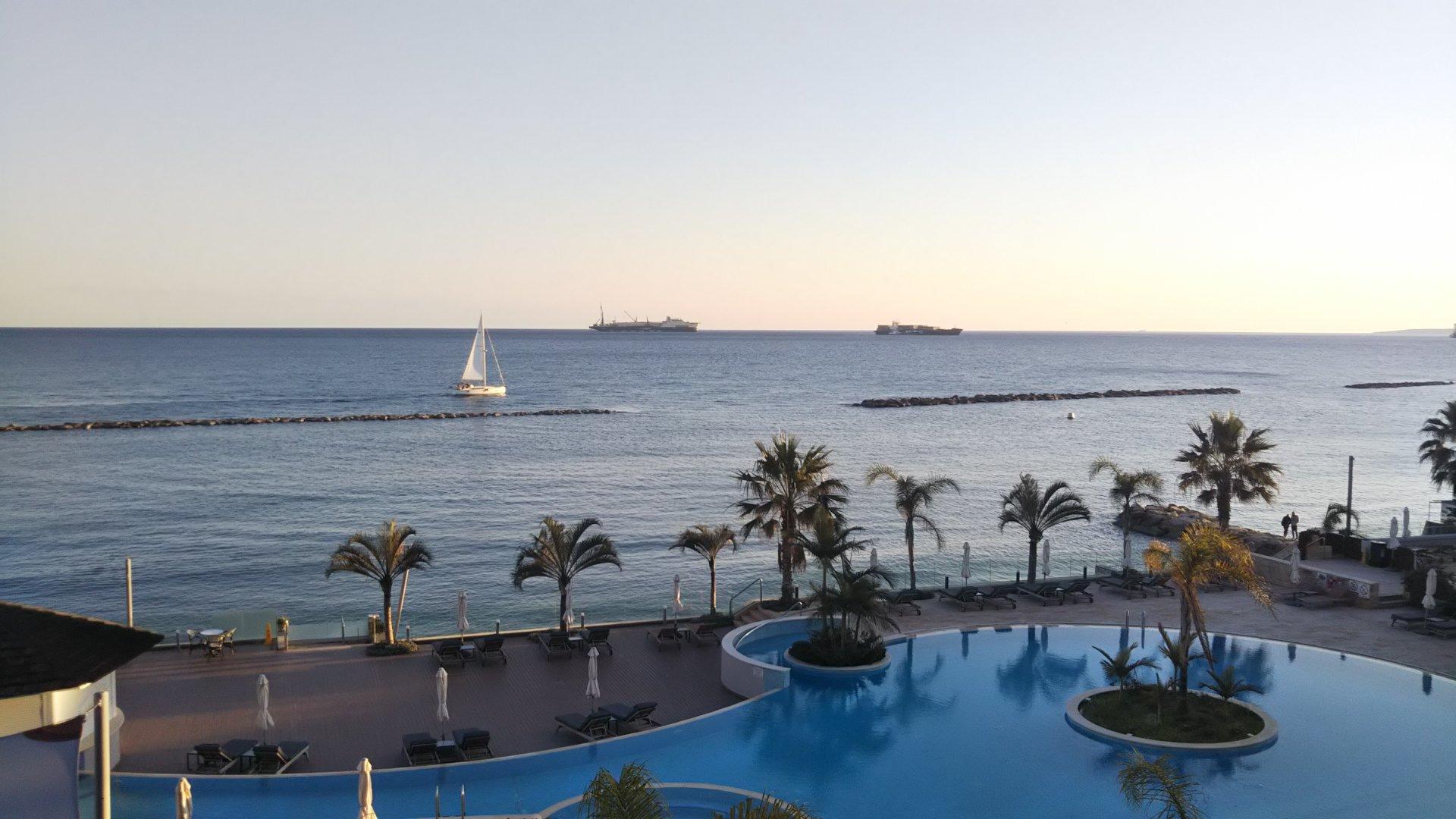 癒しの地中海🏖キプロスで街歩き🎵
